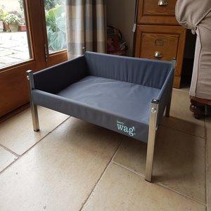 Henry Wag Elevated Dog Bed Medium