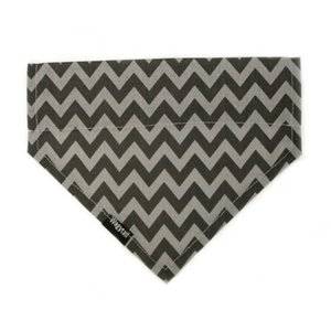 CHEVRON GREY DOG BANDANA