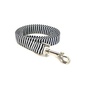STRIPE NAVY DOG LEAD